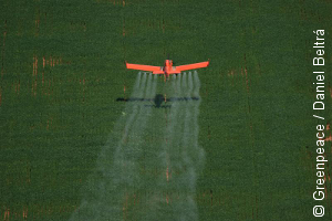2014_10_25_insecticide-spraying-brazil.png